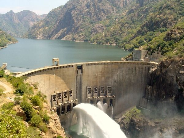 Mozambique to buy hydro scheme from Portugal
