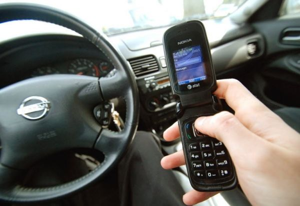 Cape Town clamps down on cell phone motorists