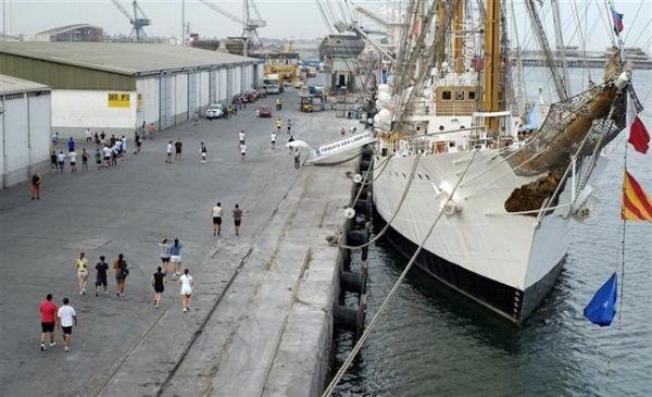 Argentina ship still stuck in Ghana