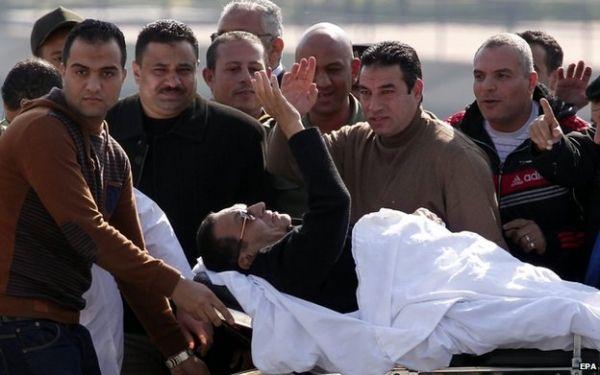 Egypt court dismisses charges against Mubarak