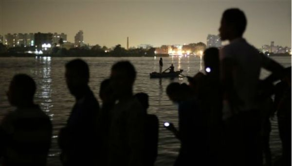 Barges banned on Nile in Cairo