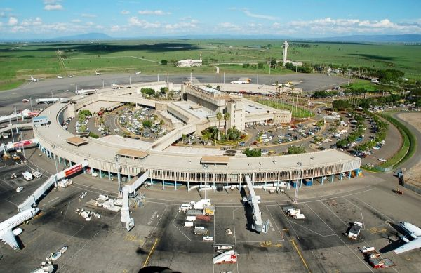 Nairobi closes airspace for Obama visit