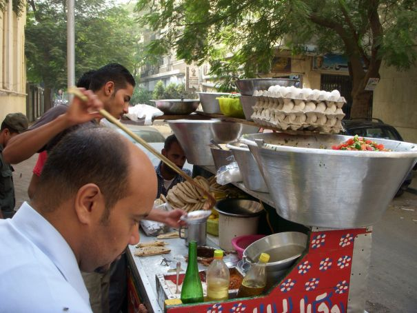 Trial market for Cairo street vendors