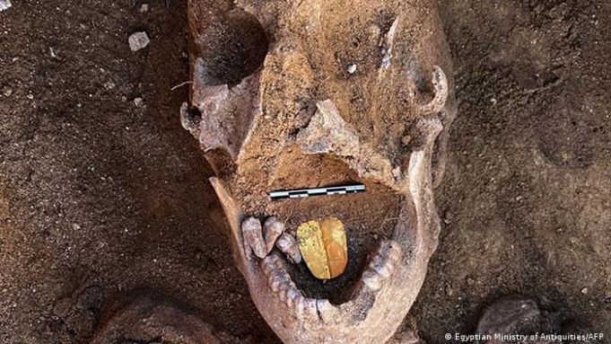 Golden-tongued mummies discovered near Alexandria