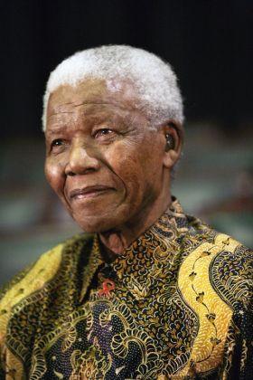 Nelson Mandela dies - image 1