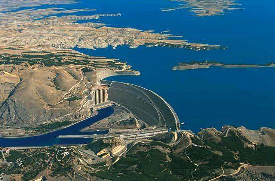 Egypt, Ethiopia and Sudan sign deal over Nile dam - image 3