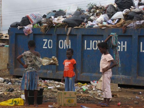 Accra installs rubbish bins - image 2