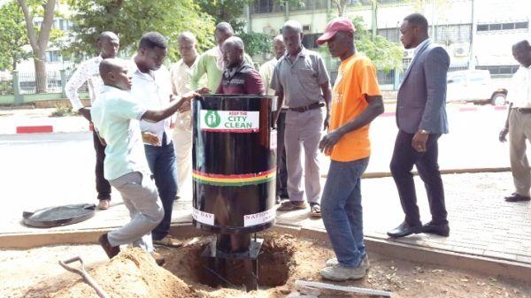 Accra installs rubbish bins - image 1