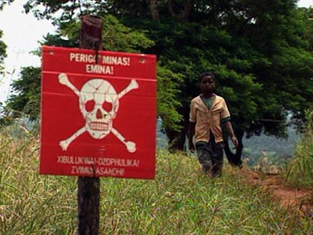 Mozambique declared free of land mines - image 3