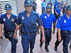 Auxiliary police on Cape Town streets