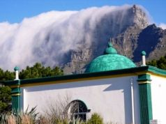 Open mosque causes furore in Cape Town
