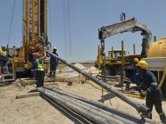 Cape Town drills for water
