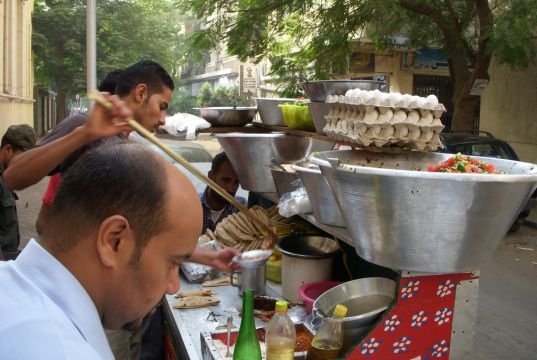 Trial market for Cairo street vendors