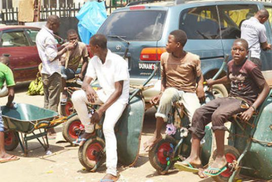 Lagos bans cart and wheelbarrow operators