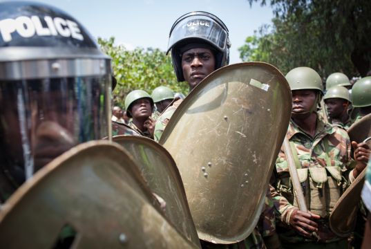 Kenyan police use violence to enforce curfew against spread of Covid-19