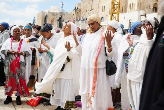 Israel to allow in thousands of Ethiopian Jewish immigrants