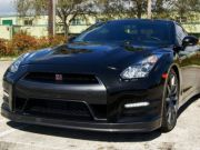 2014 Nissan GT-R for $27000